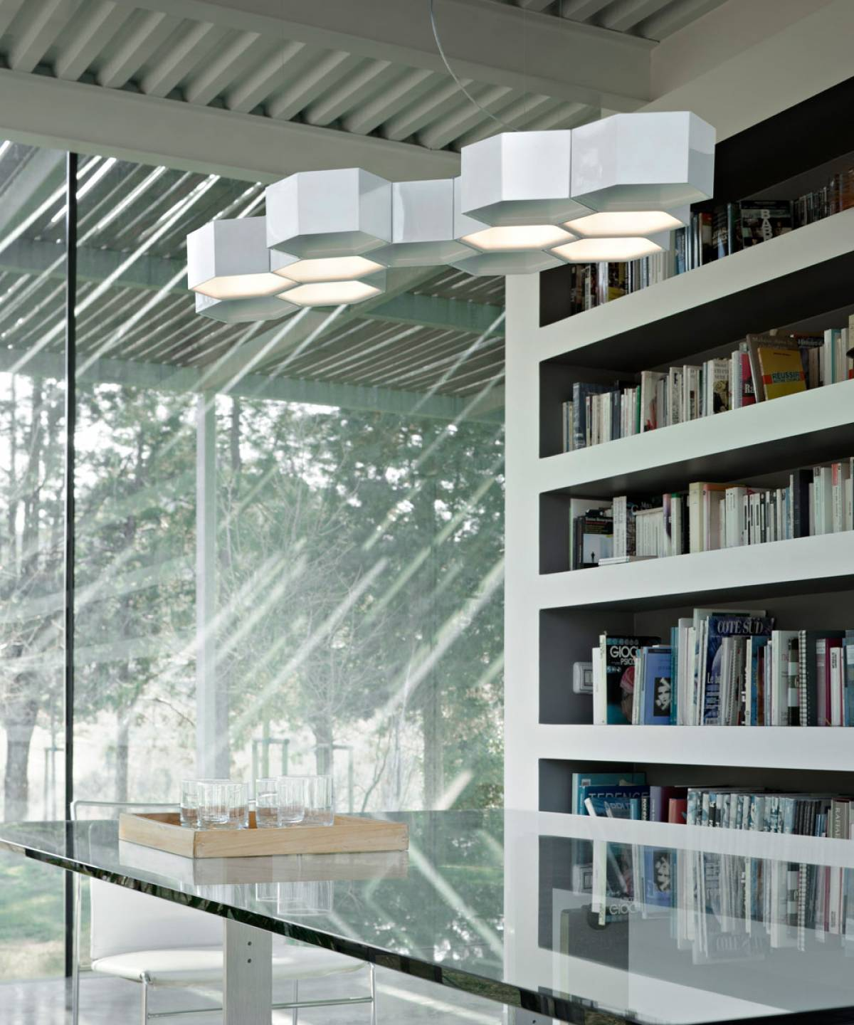 1 Honeycomb suspension lamp Luceplan