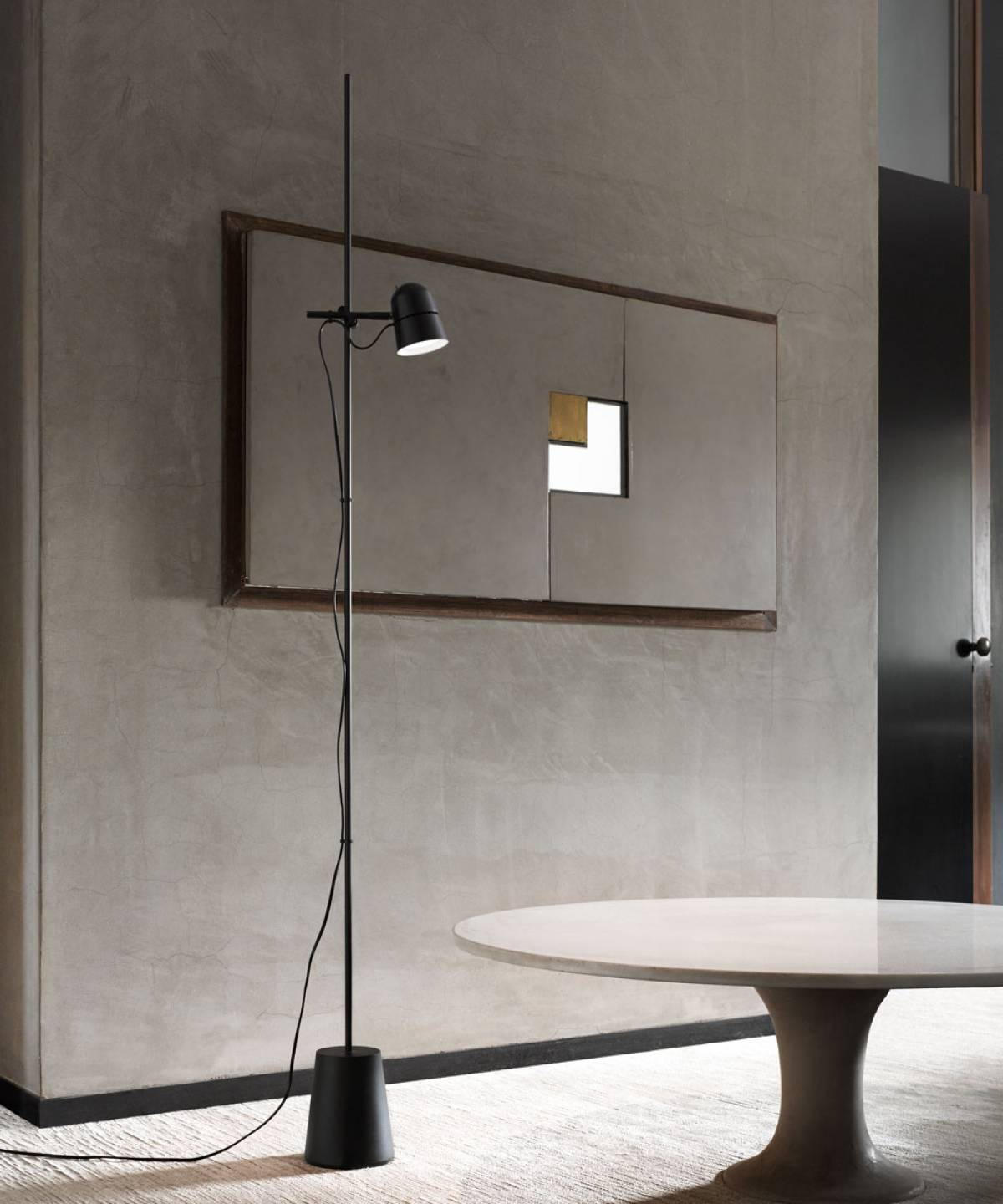 Counterbalance floor lamp Luceplan
