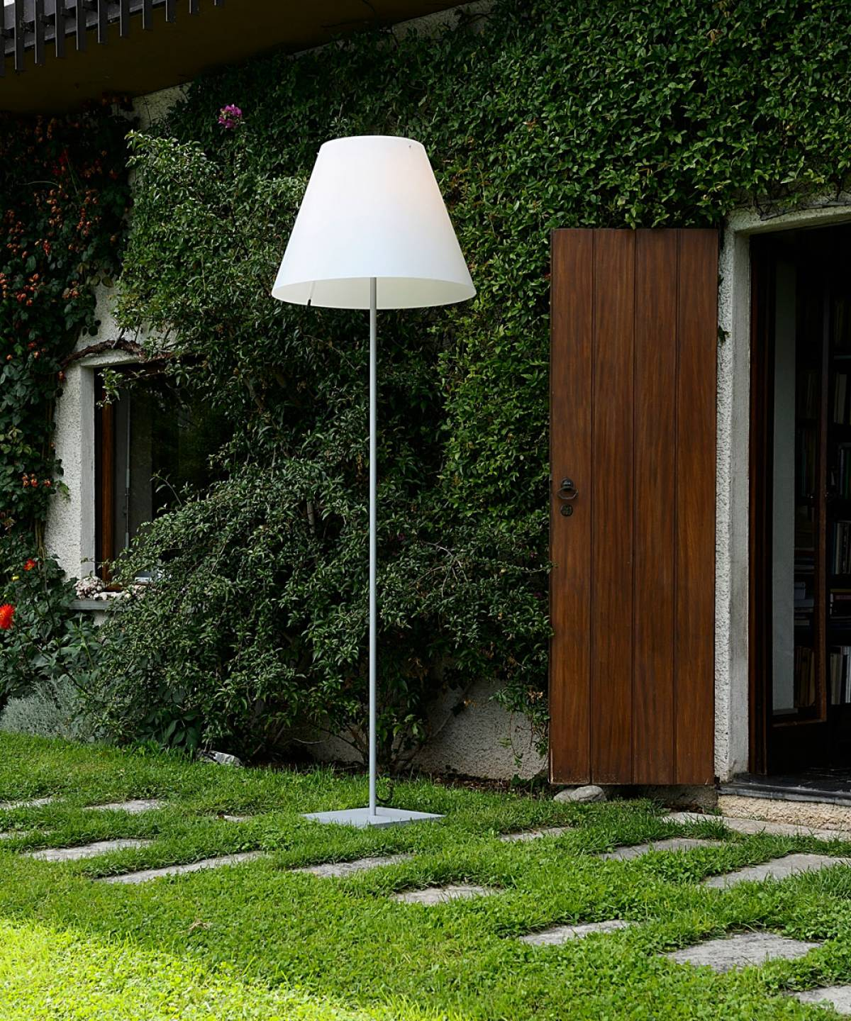 Grande Costanza outdoor lamp Luceplan