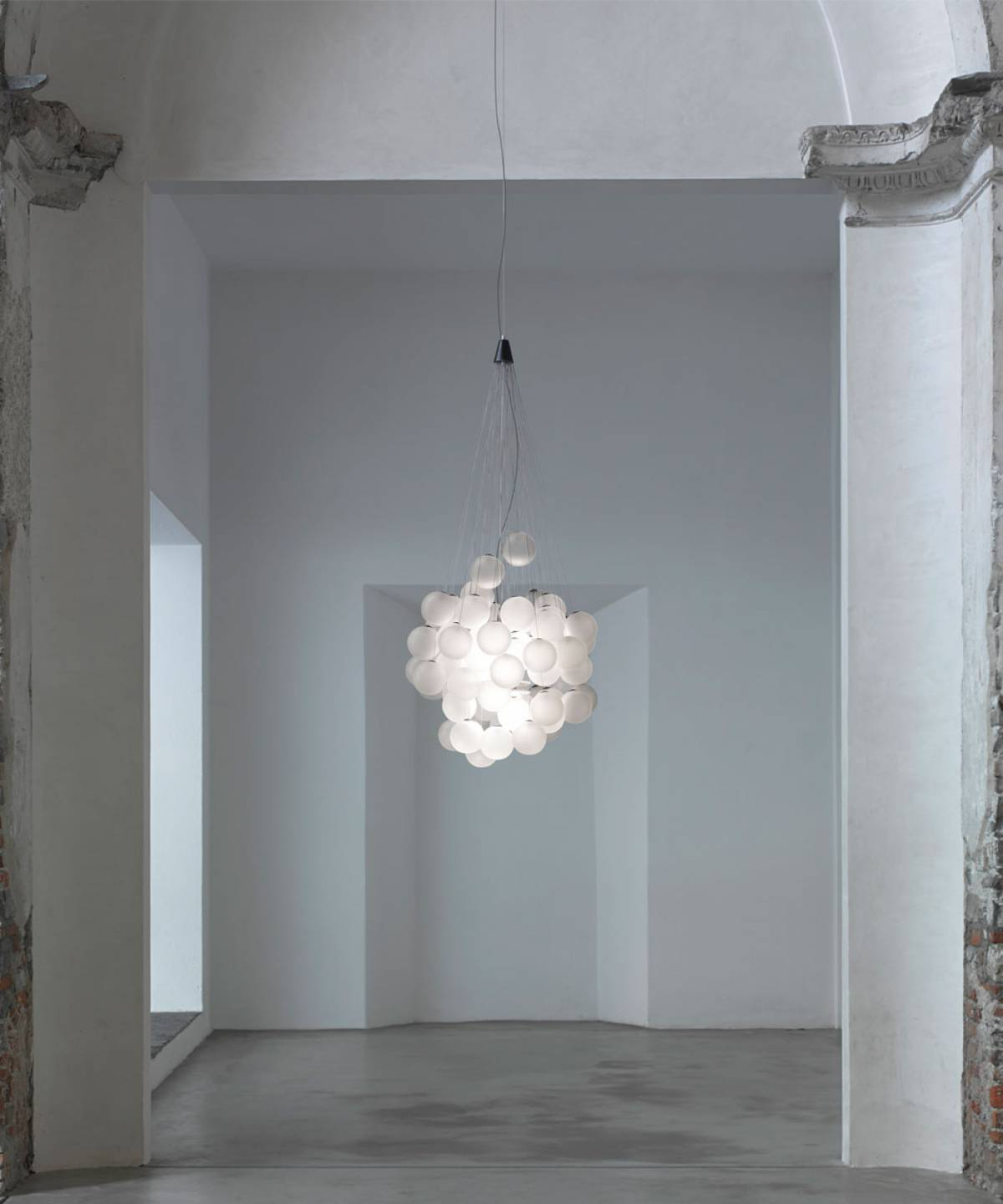 Stochastic suspension lamp Luceplan